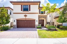 10080 NW 86th Ter, Doral, FL, 33178 - MLS A10744526